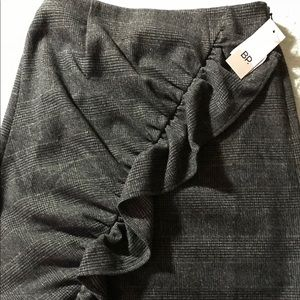 Dresses & Skirts - NWT BP Ruched Ruffle Skirt Size XXS